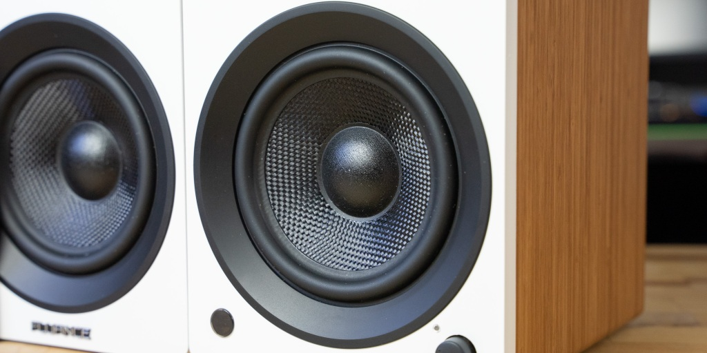 the Fluance Ai41 speakers feature a 5-inch woofer