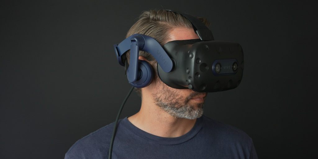 Vive Pro 2 has some great features to get a good fit on different sized heads.