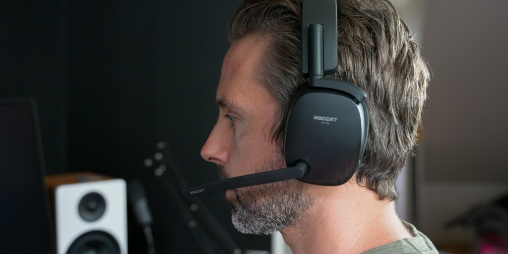 Superhuman Hearing on the Roccat Syn Pro Air helps to get the competitive edge.