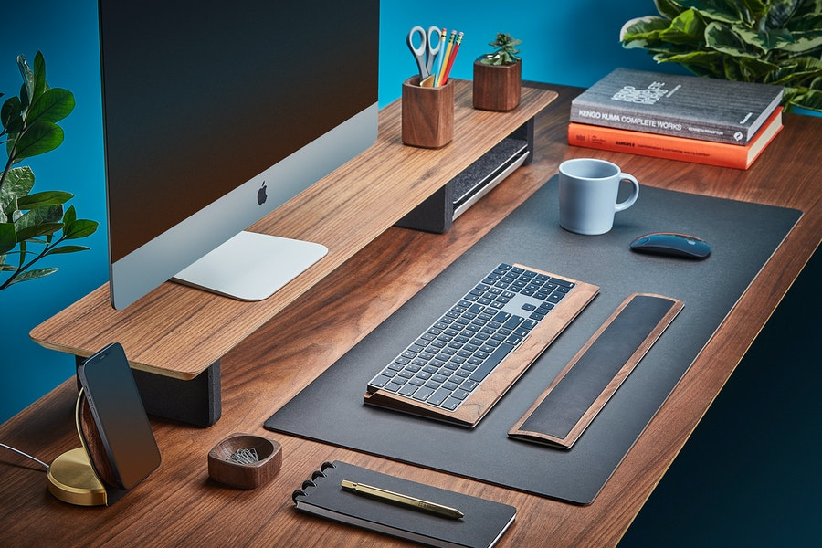 Grovemade medium plus Desk Pad