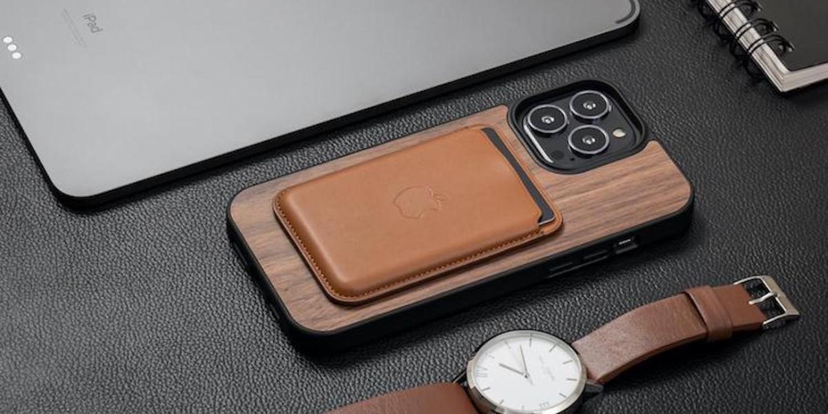 Oakywood iPhone 13 wood cases