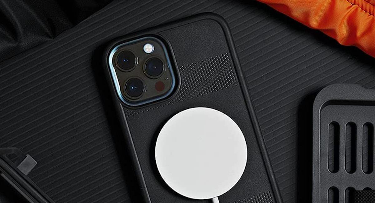 Pelican iPhone 13 cases