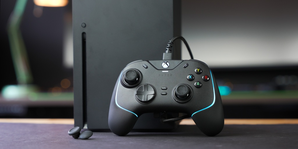 Chroma RGB on top of the controller adds a pop of custom color.