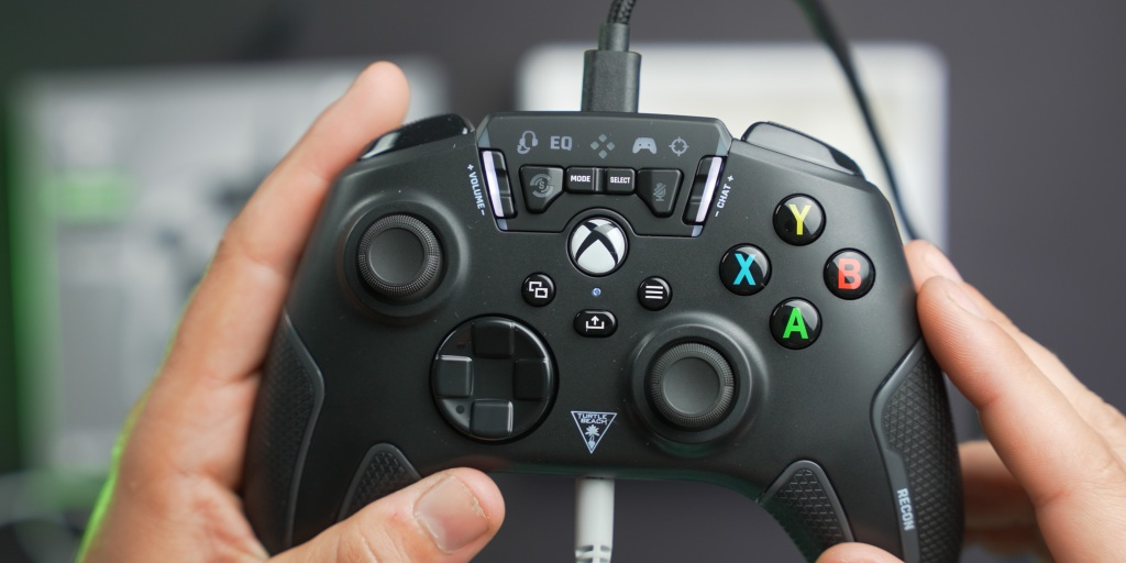 The Turtle Beach Recon Controller feels solid and well built