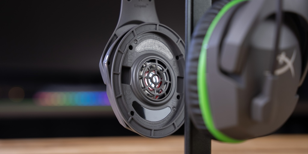 The CloudX Stinger Core wireless features 40mm drivers.