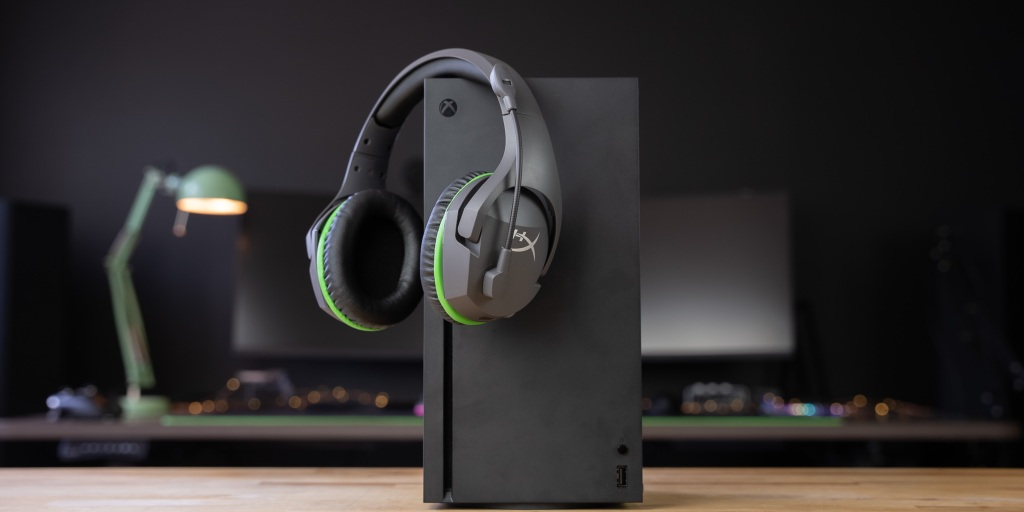 CloudX Stinger Core wireless works with Xbox Series X|S and Xbox One.