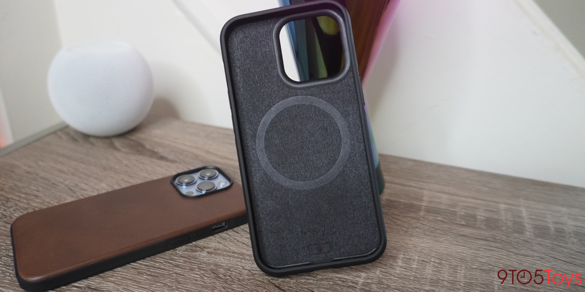Nomad iPhone 13 leather